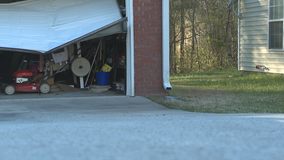 Thieves steal Clayton County woman's purse, show up at home to steal car