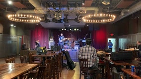 DeKalb County restaurant hosts charity concert on eve of shutdown