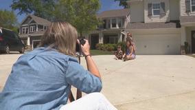 Smyrna photographer donates outdoor photo shoots for charity