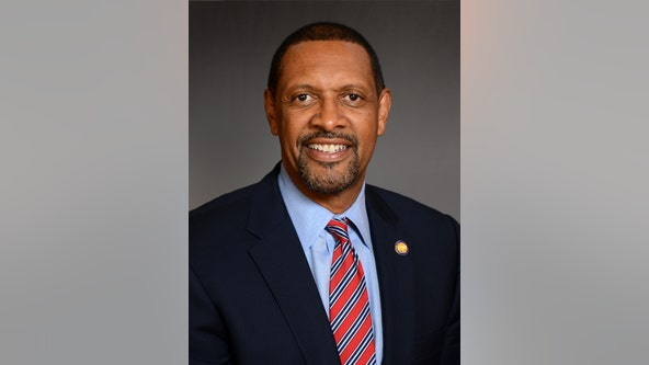 Former Democrat Vernon Jones to face Brian Kemp in Republican primary