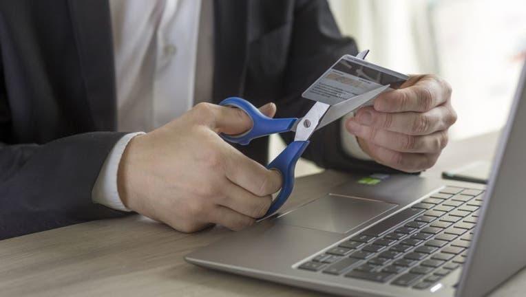 Credible-credit-card-open-close-iStock-1202312047.jpg