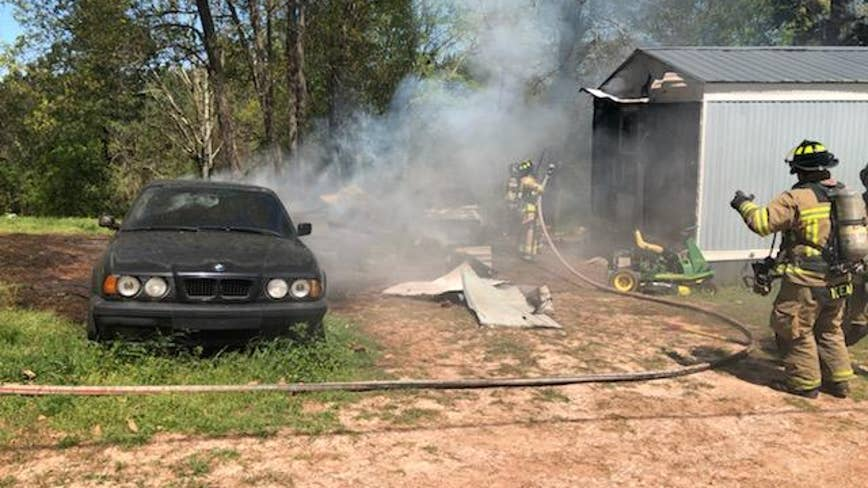 House, two cars catch on fire in Hall County
