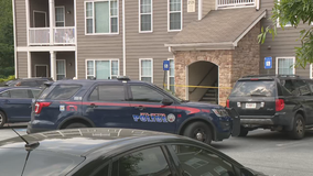 Police: Man found shot to death inside southwest Atlanta apartment