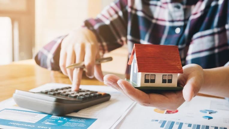Credible-refinance-mortgage-now-iStock-1069166766.jpg