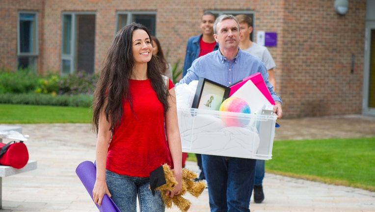 Credible-parents-college-paying-iStock-502421097.jpg