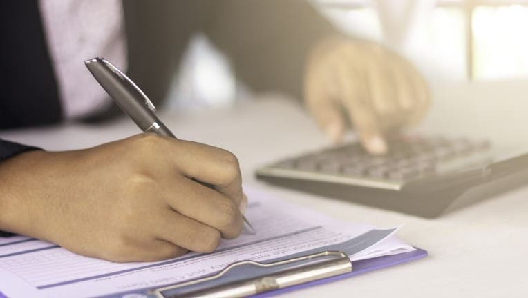 Credible-personal-loans-iStock-1066145994.jpg