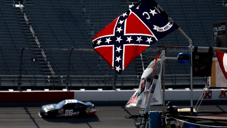 Getty-NASCAR-confederate-flag (1)