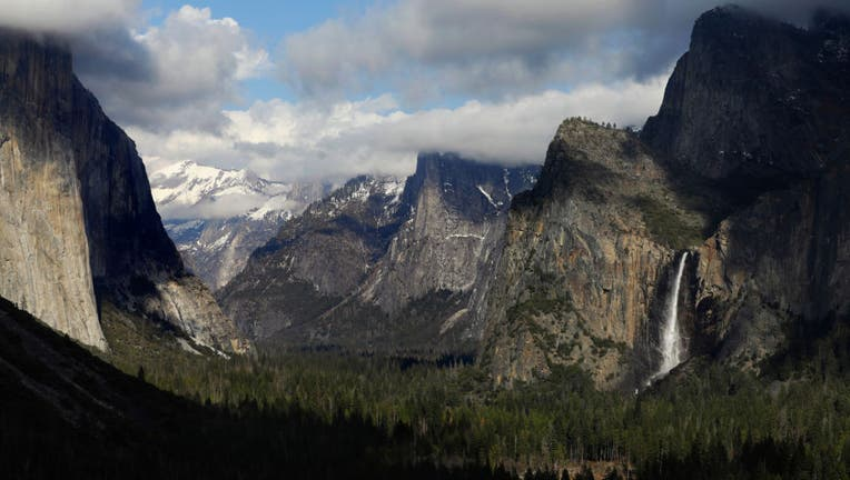 Yosemite National Park Tunnel View during the time of coronavirus Covid 19 Los Angeles Times photographer Carolyn Cole