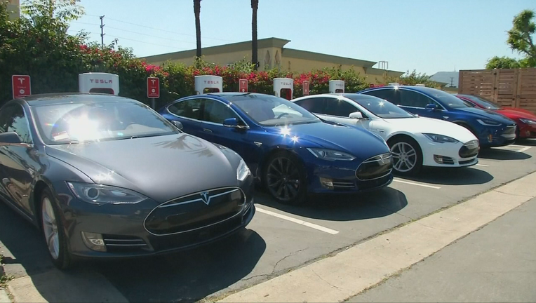 LARGEST_RECALL_EVER__TESLA_RECALLING_123_THOUSAND_MODEL_S_CARS__TO_FIX_FAULTY_POWER_STEERING_SYSTEM__NVUOVVD.mp4_00.00.54.00_1522463274686-404959.png