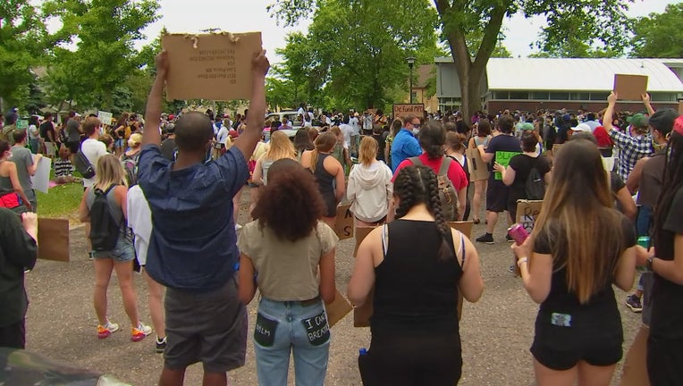 minneapolis defund police rally