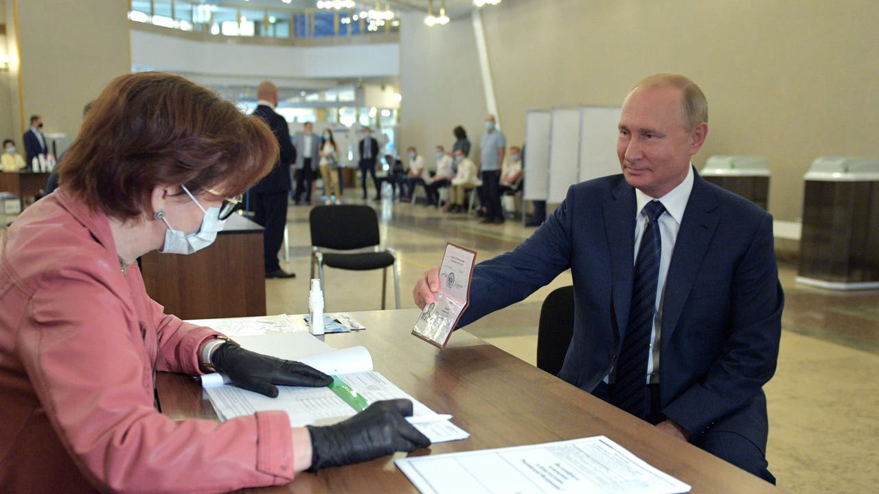 Russians voters agree to extend Putin`s rule to...