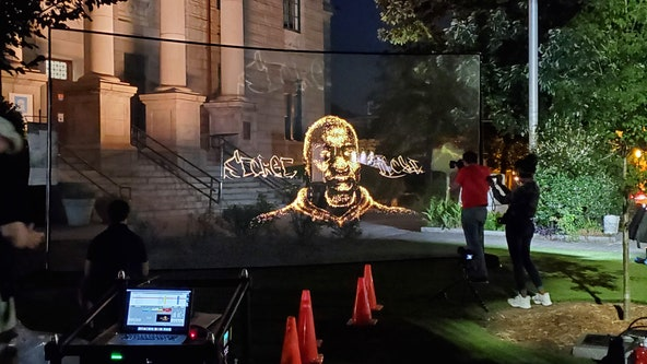 George Floyd hologram stops in Decatur Square