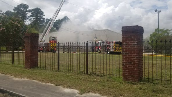 Cause of large commercial fire in northwest Atlanta under investigation