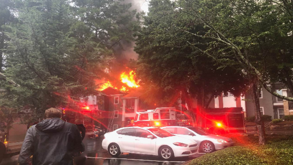 Roads close following large Smyrna apartment fire