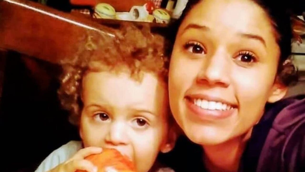FBI joins search in Florida for missing mom...