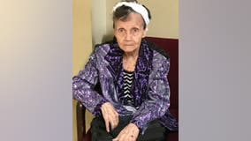 Woodstock police need help identifying elderly woman