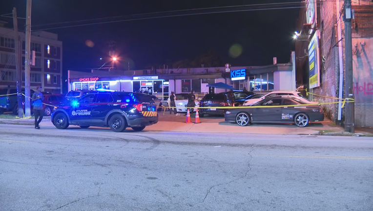 Security guard shoots 2 while stopping attempted robbery