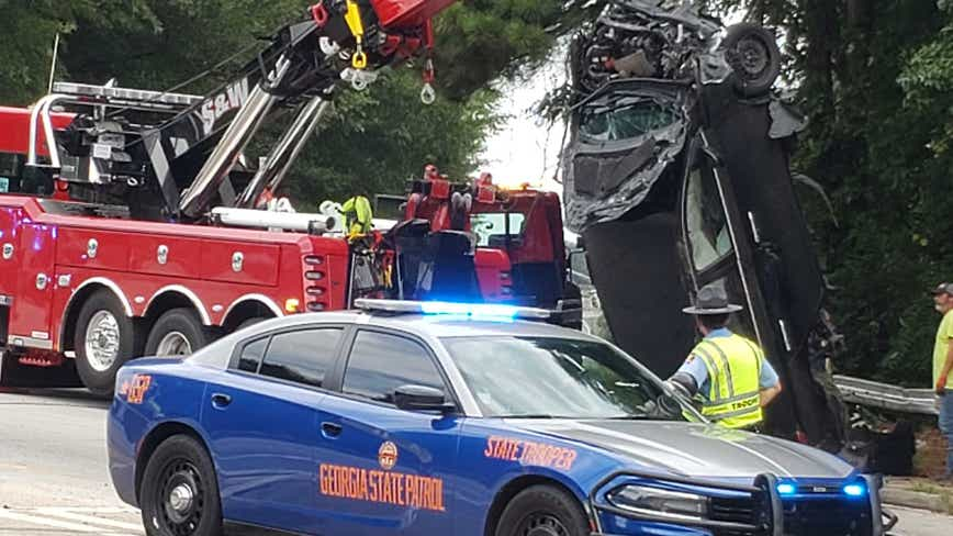 High-speed chase ends with 2 overturned vehicles in Atlanta