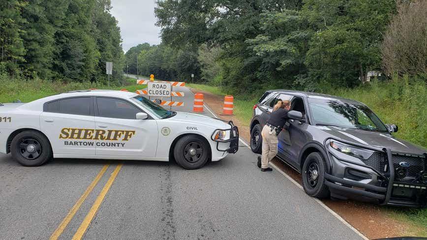 Train derailment forces road closure in Bartow County