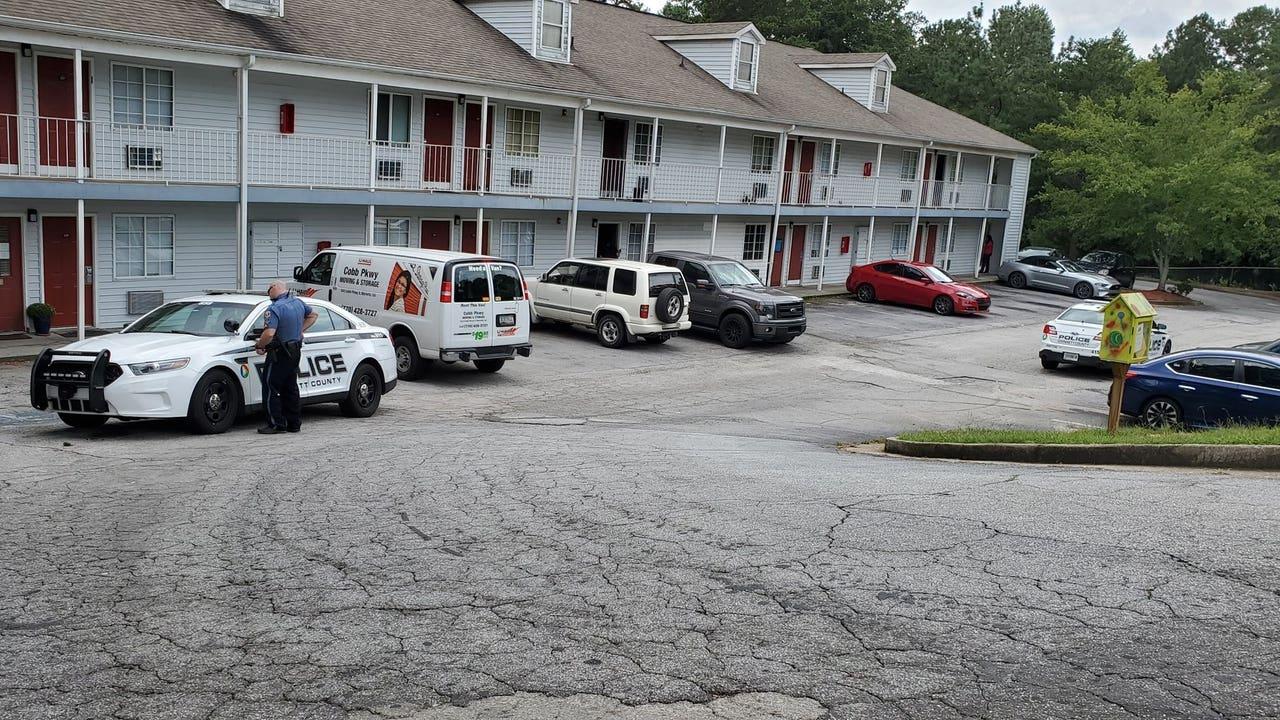 Gunman In Deadly Gwinnett County Motel Shooting At Large School Lockdowns Lifted