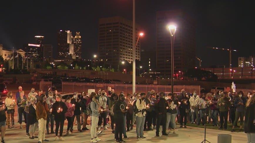 Vigil held at Georgia Capitol to honor late Justice Ruth Bader Ginsburg