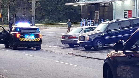 Woman shot, killed walking out of Southwest Atlanta store