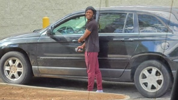 Police: Man licked victim's foot at Georgia Dollar General
