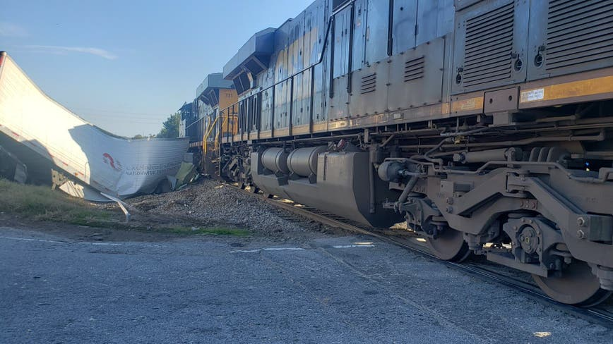 Sheriff: Train collides with tractor-trailer in Jefferson