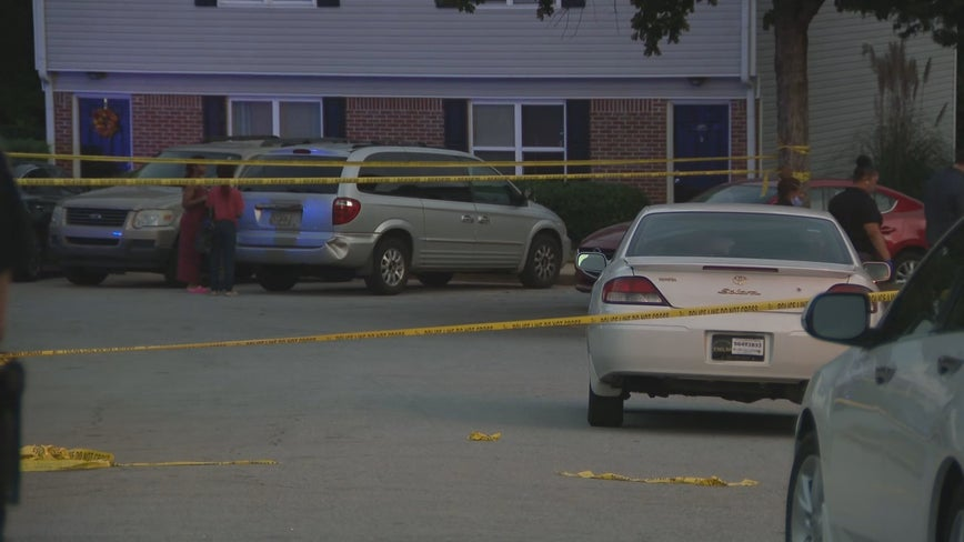 Police: Juvenile shot in SW Atlanta, shooter fled in white sedan