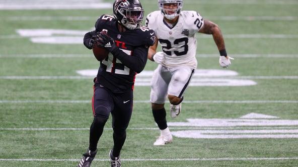 Jones returns pick for TD, Falcons rout Carr, Raiders 43-6