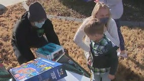 Exotic car club surprises family with special Christmas delivery