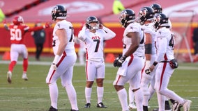 Chiefs clinch No. 1 seed when Falcons' Koo misses late FG