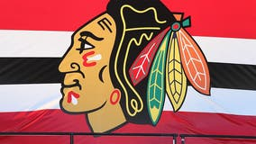 In wake of Indians' decision, Blackhawks stay with team name