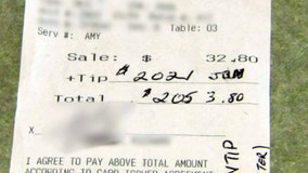 Clearwater server shares generous $2,000 tip with co-workers, family