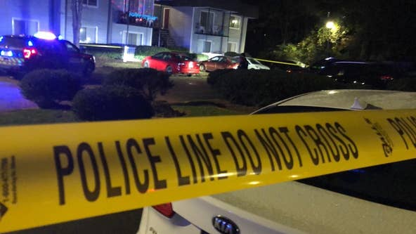 Man shot and killed at southwest Atlanta apartment complex