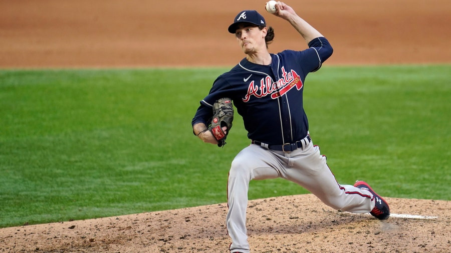 Braves reach one-year deals with Fried, Minter