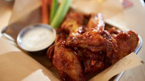 How to score free beer, wings and pizza just by watching the Super Bowl