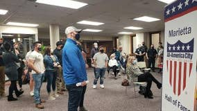Marietta residents back the blue at council meeting