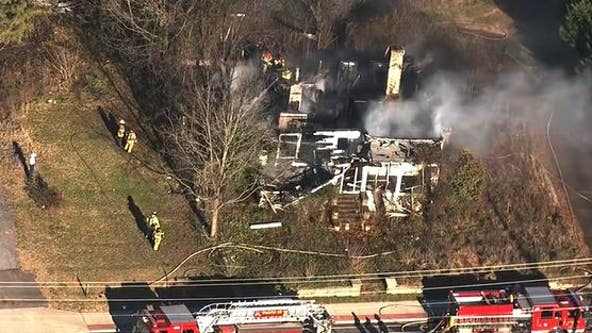 Firefighters battle massive blaze in Lithonia