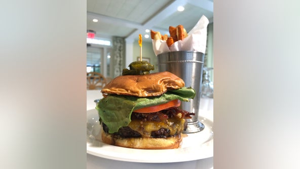 Burgers with Buck: Swan Coach House