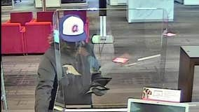 Police searching for suspect in Kennesaw bank robbery