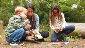 Metro Atlanta biologist leads nature hikes for kids