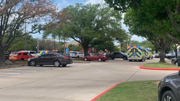 Manhunt underway after 3 killed in Northwest Austin shooting