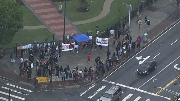 Daunte Wright protests: Crowds gather in Atlanta over police killing