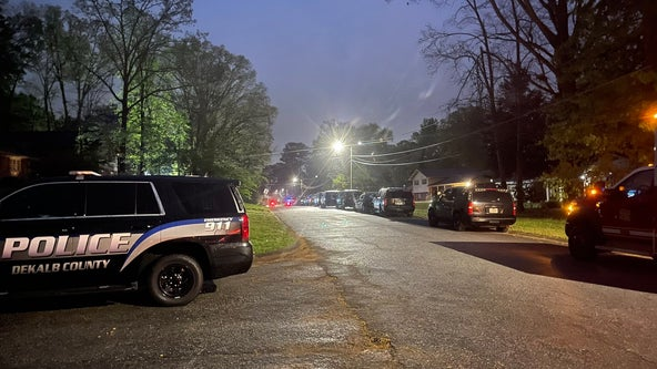 SWAT team, bomb squad called to shooting in Stone Mountain