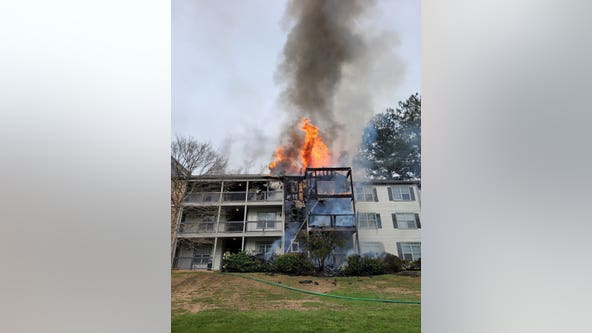 Residents displaced after Duluth apartment fire