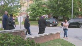 Vine City group walks neighborhood to stop violence