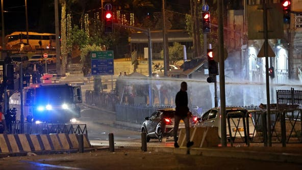 200 Palestinians hurt in clash with Israeli police at mosque, medics say