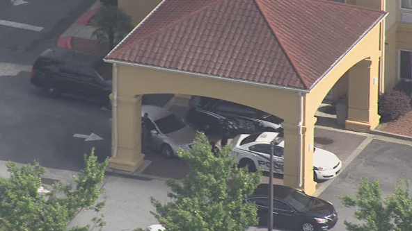 Suspect barricaded inside Union City hotel, police say