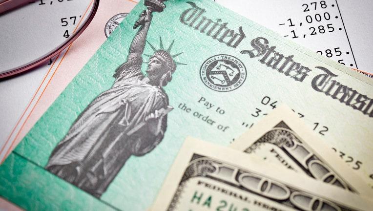 Credible-student-loan-debt-tax-refund-iStock-171253841.jpg